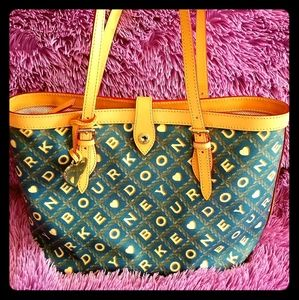 Dooney and bourke purse. New
